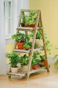 balcón escaleras de estantería